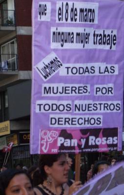 20090309040417-pan-y-rosas.jpg