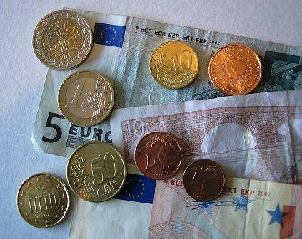 20120605014412-money.jpg